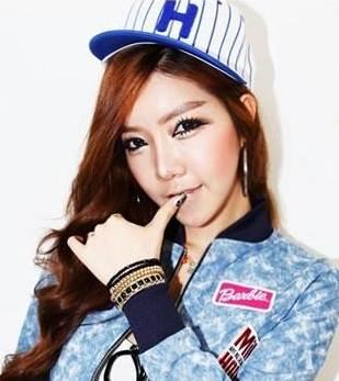 หมวกแฟชั่นเกาหลี H (ระบุสี)