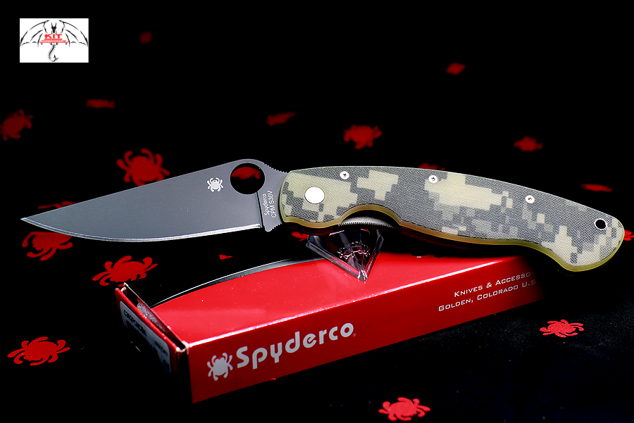 Spyderco Military Black Plain Blade, Digital Camo G10