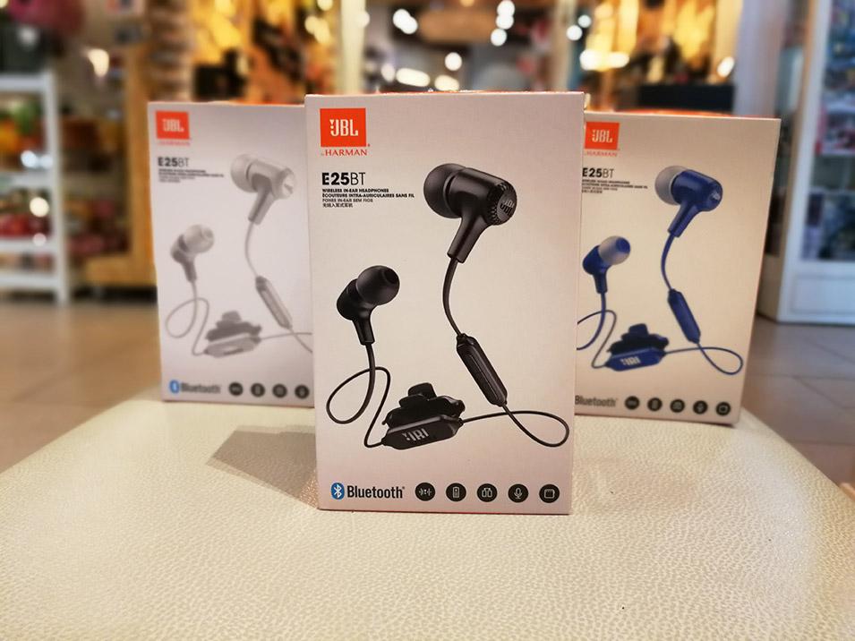 หูฟัง Jbl E25Bt Bluetooth อินเอียร์บลูทูธ ไร้สาย เสียงดีแบรนดัง เท่ห์ได้แบบราคาไม่แพง