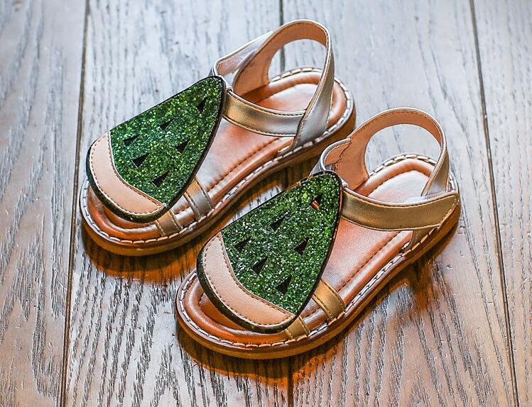 รองเท้าเด็กแฟชั่น สีเขียว แพ็ค 5 คู่ ไซต์ 26-27-28-29-30