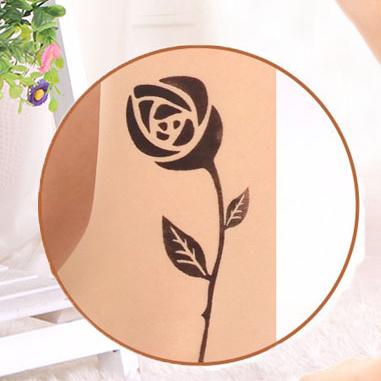 [พร้อมส่ง] T5969 ถุงน่องสีเนื้อ พิมพ์ลายดอกกุหลาบ สีดำ Black Rose