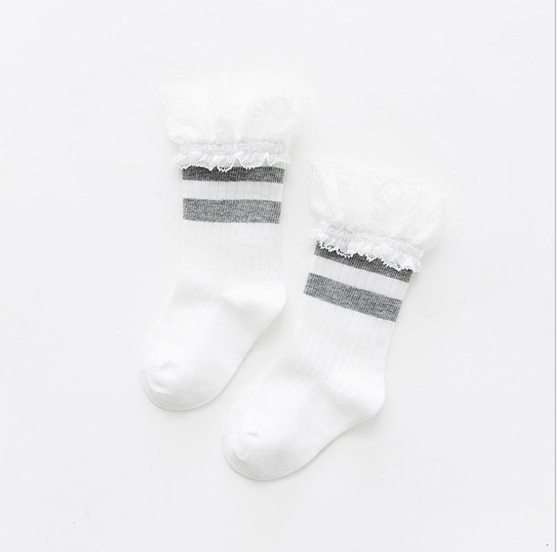 ถุงเท้ายาว สีเทา แพ็ค 10 คู่ ไซส์ ประมาณ 4-6 ปี