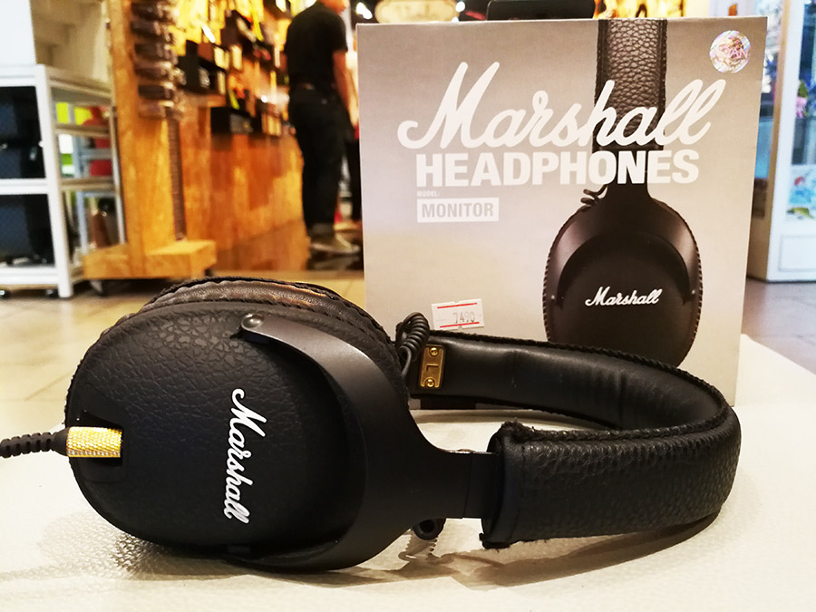 Marshall Monitor หูฟัง Fullsize ระดับหรูเหมาะสำหรับเล่นดนตรี ฟังเพลง พร้อมไมค์ใช้กับสมาร์ทโฟน
