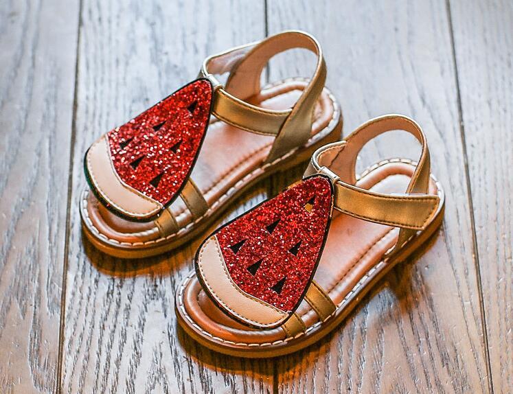 รองเท้าเด็กแฟชั่น สีแดง แพ็ค 5 คู่ ไซต์ 21-22-23-24-25