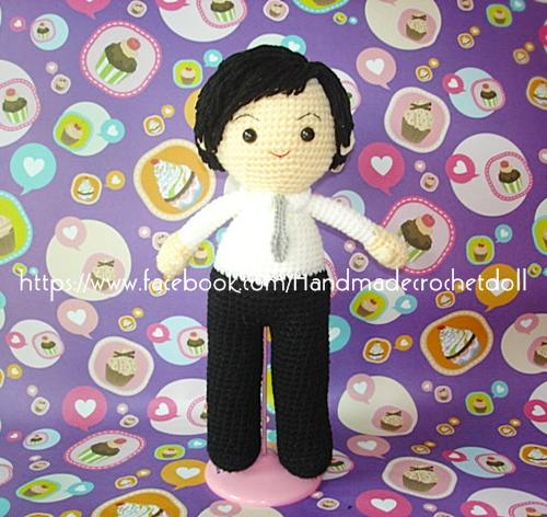 ตุ๊กตาถัก คนชุด