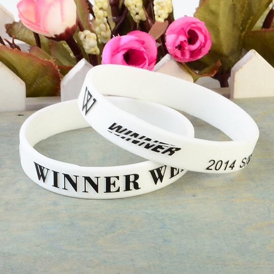 ริสแบนด์ winnerweek 2014 สีขาว