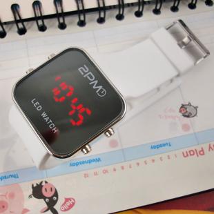 นาฬิกาดิจิตอล 2PM