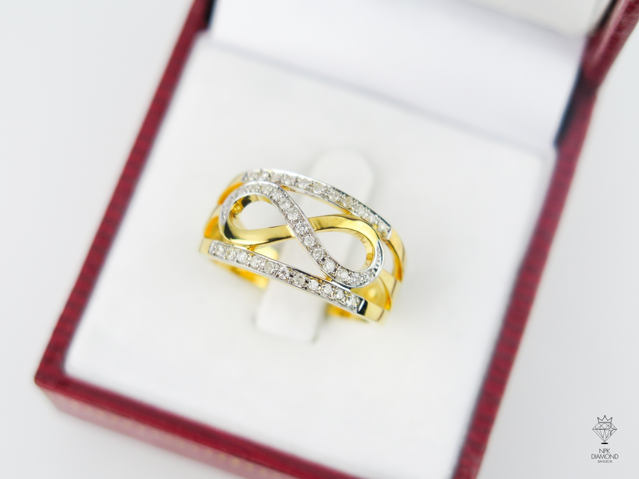 แหวน 9K Infinity ขอบเพชร