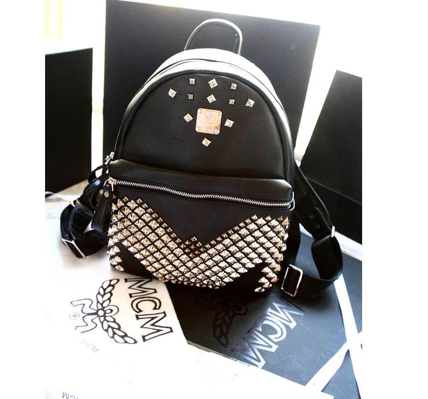 กระเป๋าแฟชั่น MCM 2015 (สีดำปักหมุด)