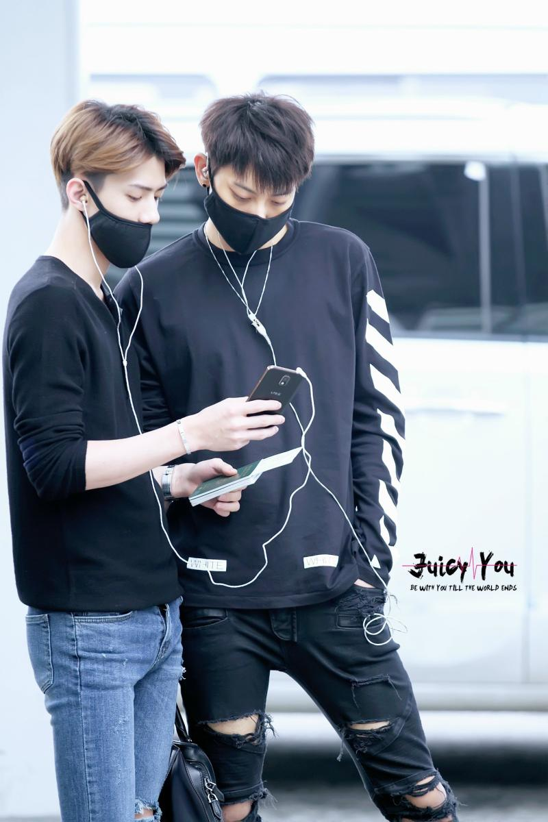 เสื้อยืดแฟชั่น EXO TAO PYREX off White13 2014 (สีดำ)