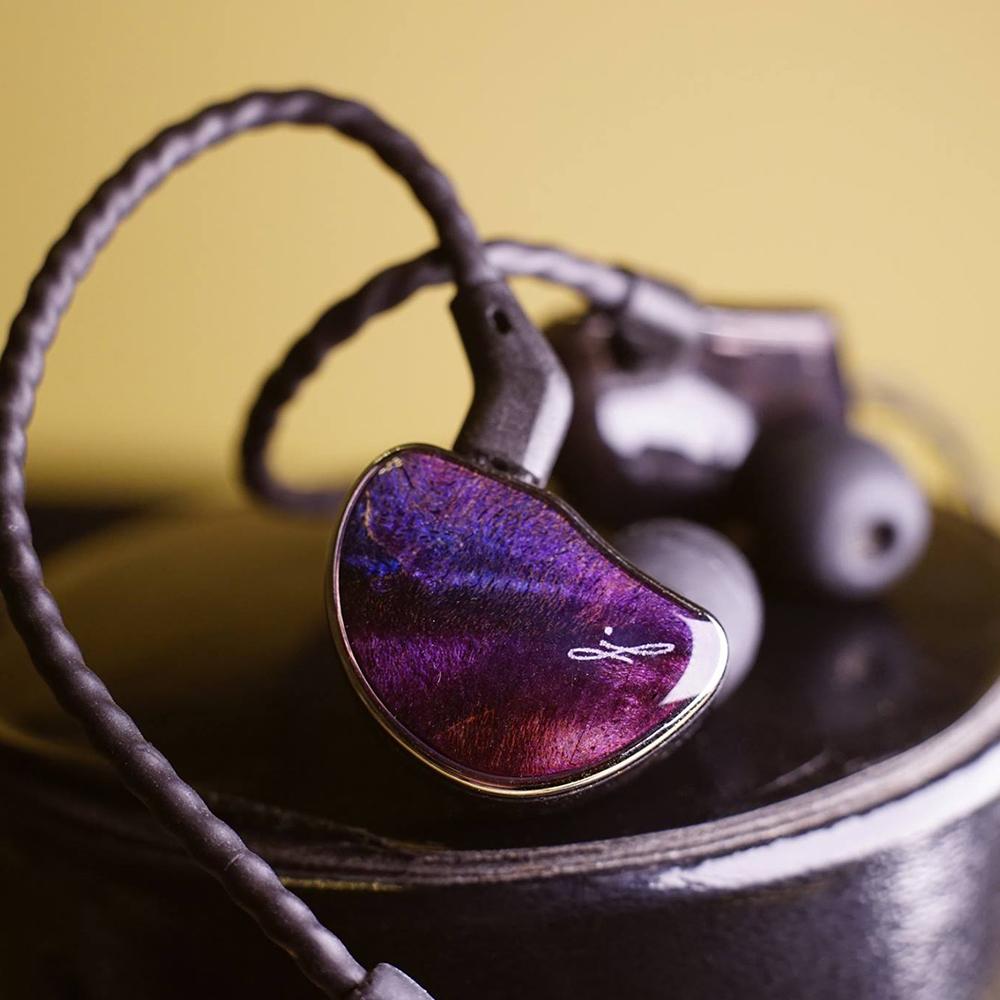 หูฟัง Shozy Hibiki Special Edition รุปทรง Custom สายถอดได้ พร้อมไมค์ หรูหรา เสียงหวานเนียนละเอียดมาครบ
