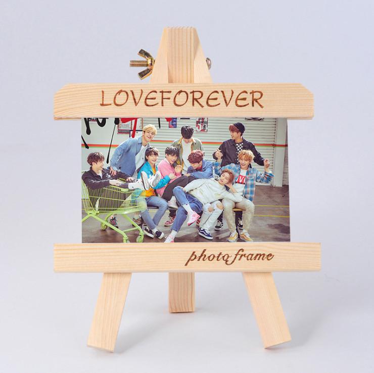 กรอบรูปไม้ Stray Kids
