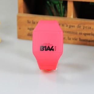 นาฬิกา B1A4 LED
