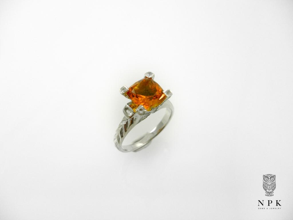 แหวนซีทริน (Citrine Silver Ring with White Topaz)