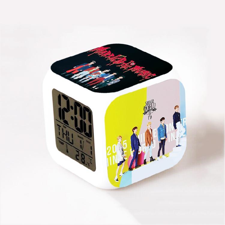 นาฬิกาดิจิตอลลูกเต๋า SHINee