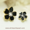 [พร้อมส่ง] E6997 ต่างหูหนีบ ดอกไม้ ตัดเส้นขอบทอง สุดไฮโซ Hiso Earring