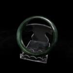 กำไลหยกเนื้อเขียว (Burma jade bangle)