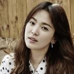 Song Hye Kyo ถูกจับคู่หลังใส่กำไลคู่กับ Song Joong Ki