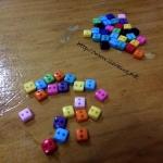 กระดุมจิ๋ว อคริลิค สี่เหลี่ยม 0.5 cm pk=10