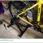 เทรนเนอร์ Fast Magnet Steel Bike พร้อมรีโมทและรองล้อหน้า (24-29er)