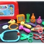 ชุดหมอกระเป๋าแดง ชุดเครื่องมือหมอของเด็กเล่นพร้อมกระเป๋าคุณหมอ