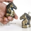 ไฟแช็คแก็ส แฟนซี รูปทรงหัวม้า สีทองเหลือง ตัวหมากรุกม้า ไฟธรรมดา thumbnail 2
