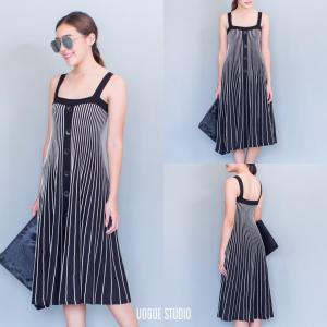 Knitting lovely midi dress เดรสไหมพรมตัวยาว : สีขาวดำ