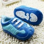 รองเท้าหัดเดินเด็กเล็กหนังสีฟ้าน้ำเงิน