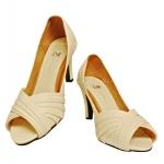 รองเท้าคัดชูเปิดหน้าส้นแหลม สีขาว donna&co