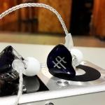 หูฟัง Tfz Series1s Inear 2Chamber Drivers แบบคล้องหู เสียงเทพ สายแบบชุบเงิน รูปทรง Custom เบสหนักแน่น รายละเอียดระดับเทพ ฟังสนุกถูกใจวัยรุ่น