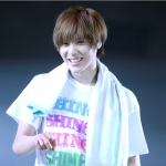 เสื้อคอน shinee The first japan arena tour 2012 (S)