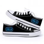 รองเท้าผ้าใบ CNBLUE สีดำ