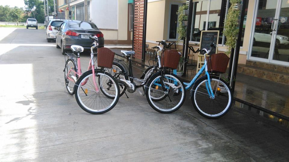 """จักรยานซิตี้ไบค์ FINN """" SMART USA"""" ล้อ 26 นิ้ว 7 สปีด ชิมาโน่เฟรมเหล็ก พร้อมตะกร้า"""