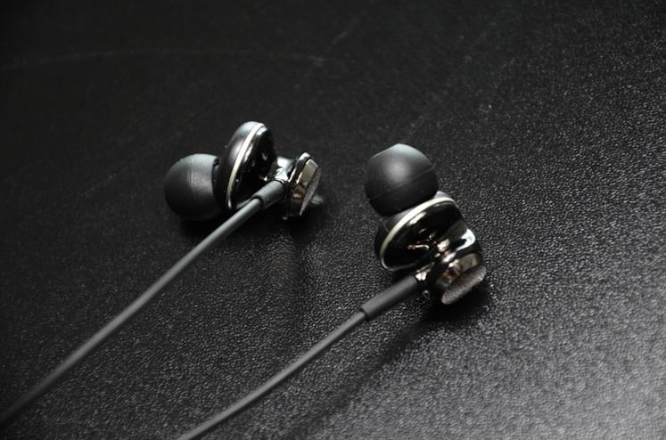 ขาย หูฟัง Knowledge Zenith ANV ไดรเวอร์ขนาด 14mm บอดี้Zinc alloy ทนต่อรอยขูดขีด เบสดี สเตจกว้าง ให้รายละเอียดคมชัด