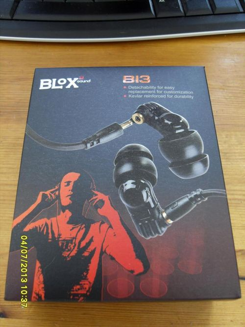 ขาย หูฟัง Blox Bi3 หูฟังที่สร้างความฮือฮาทั้งในและนอกประเทศ ถอดสายได้ เบสดีพเบสดีอิมแพคเด่น เด่นย่านแหลม