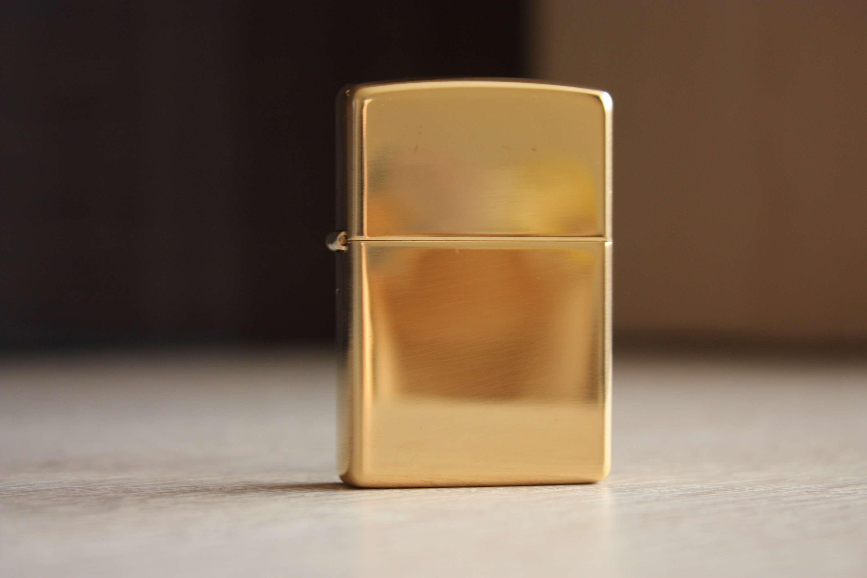 """ไฟแช็ค Zippo แท้ สีทองขัดเงา """" Zippo 254B Regular High Polish Brass"""" แท้นำเข้า 100%"""