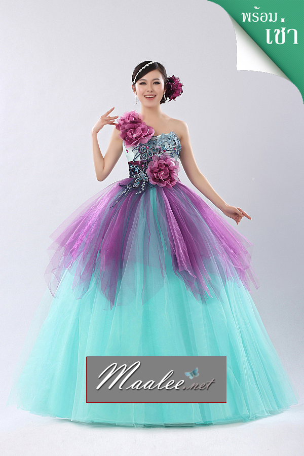 พร้อมเช่า ชุดแฟนซี ชุดราตรียาว ไหล่เฉียง สีฟ้ามิ้นต์ แต่งผ้าโปรงสีม่วง ประดับเลื่อมและดอกไม้