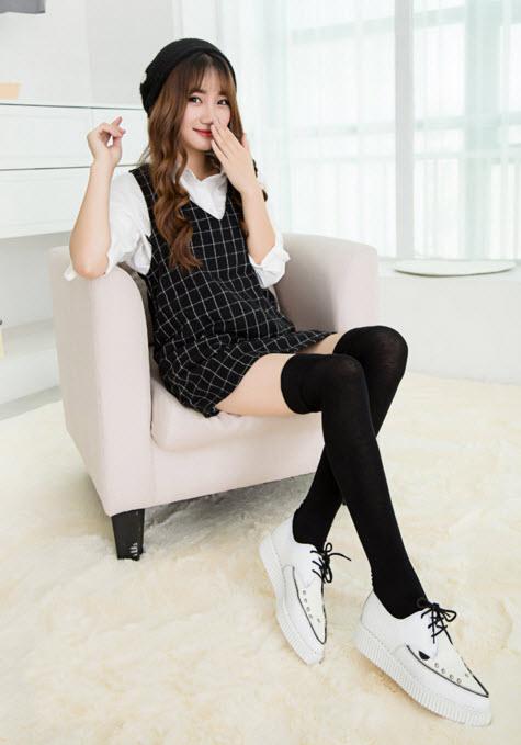 [พร้อมส่ง] S4999 ถุงเท้ายาวครึ่งขา เหนือเข่า แบบถุงเท้าญี่ปุ่น สีพื้นล้วน Solid Color Long Sock