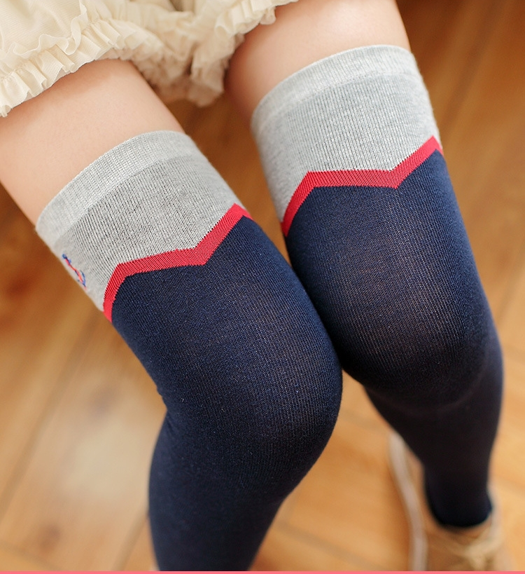 [พร้อมส่ง] S6951 ถุงเท้ายาวครึ่งขา ทอลายหยัก ปักลายสมอเรือ สไตล์ญี่ปุ่น