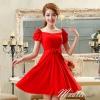 พร้อมเช่า ชุดราตรีสั้น สีแดง แขนตุ๊กตามีโบว์ ผ้าชีฟอง แบบสวยหวาน เพิ่มดอกช่วงเอว