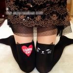 [พร้อมส่ง] P4706 ถุงน่องลายแมวดำ หน้ายุ่ง กับรูปหัวใจ I LOVE CAT