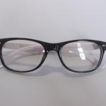 กรอบแว่นตาเกรด A พร้อมเลนส์กรองแสง รุ่น 18